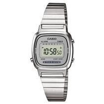 Orologio da polso digitale con cinturino in acciaio quadrante Silver Casio LA670WEA-7EF