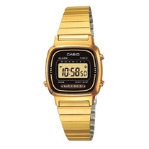 Orologio da polso digitale con cinturino in acciaio color oro Casio LA670WEGA-9EF