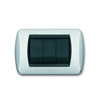 Placca cromo satinato a 3 posti  Compatibile con Living International CAL 644