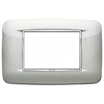 Placca Vimar Eikon Round 3 Moduli argento metal cornice cromo 20683.C10