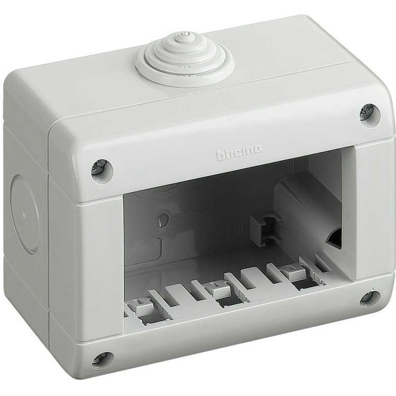 Contenitore 3 moduli IP40 Idrobox Matix Bticino 25403