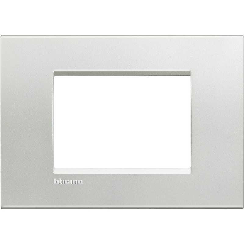 Placca 3 posti quadra argento LivingLight Bticino LNA4803AG