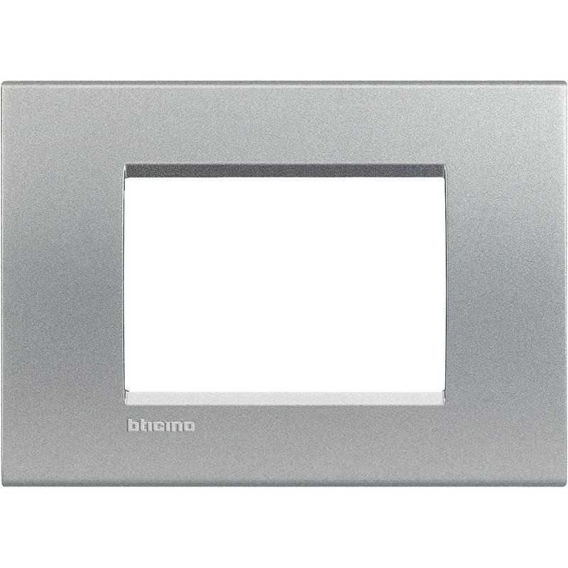 Placca 3 posti quadra tech LivingLight Bticino LNA4803TE