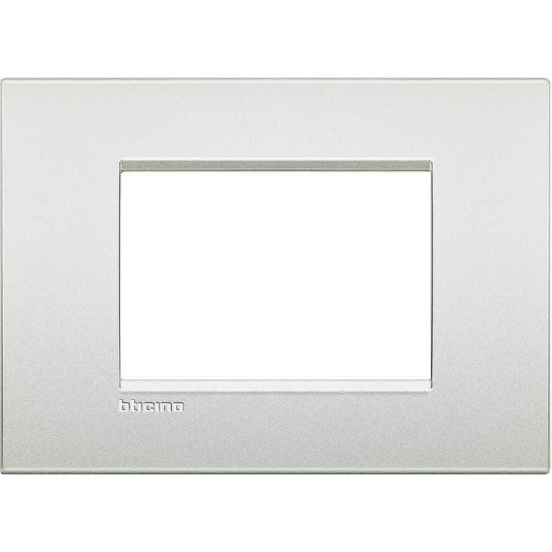 Placca 3 posti bianco perla LivingLight Air Bticino LNC4803PR