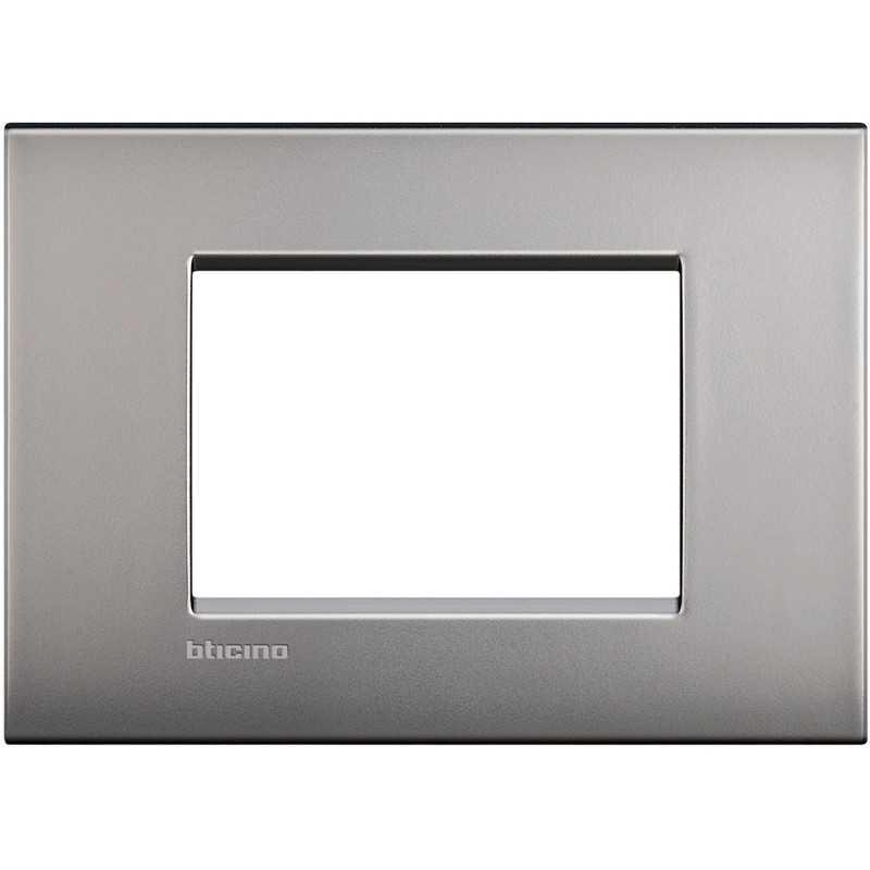 Placca 3 posti nichel satinato LivingLight Air Bticino LNC4803NK